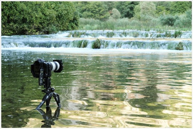 Ben je niet zeker van het stil kunnen houden van de camera, neem dan het zeker van het onzekere en gebruik een (stevig) statief. (foto: Hetwie)