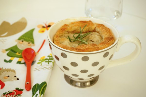 Chicken Pot Pie in a Mug | thelittleredspoon.com