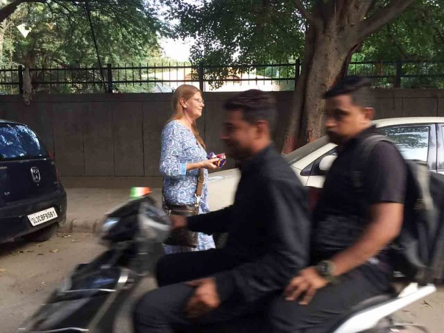 City Moment - Gillian Wright's Snacking Secrets Exposed, H. Nizamuddin West