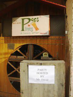 City Landmark - Pegs N Pints, Tuesday Night Report From a New Delhi Gay Bar