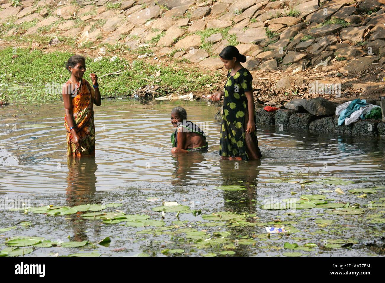 indian nude bath