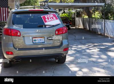Used Car For Sale by Owner, USA Stock Photo: 71256626 - Alamy