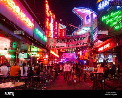 Bars and nightlife in Soi Cowboy red-light district, Asoke Road Stock Photo: 84784463 - Alamy