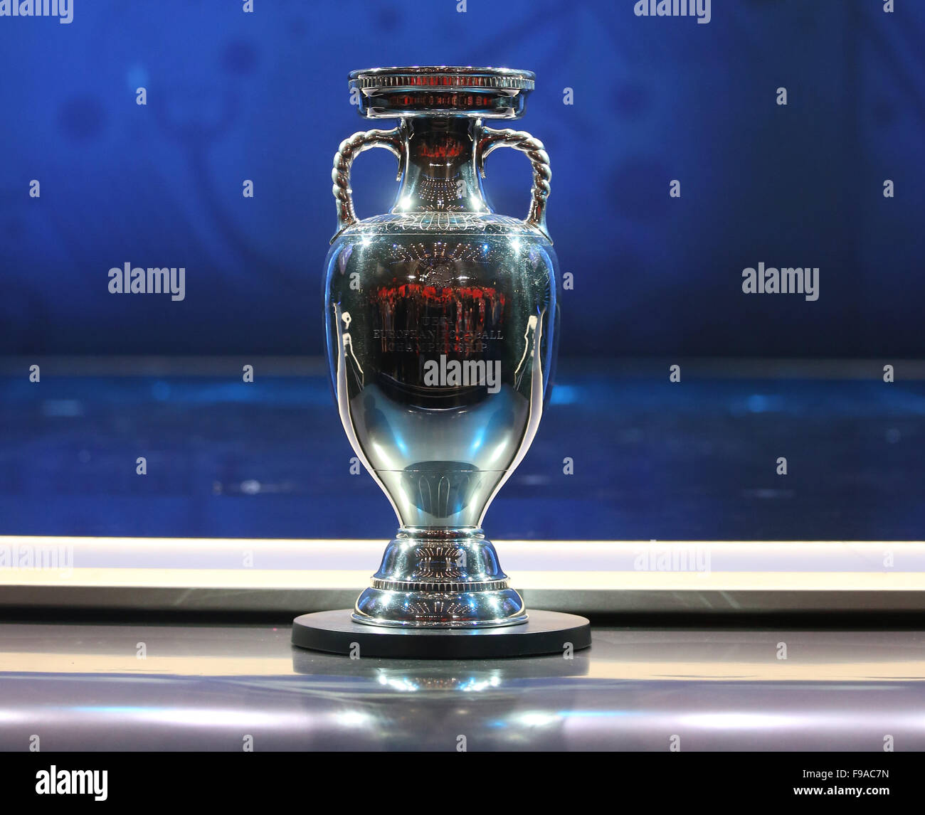 The UEFA European Championship Trophy on display prior to the UEFA     The UEFA European Championship Trophy on display prior to the UEFA EURO  2016 final draw ceremony at the Palais des Congres in Paris  France