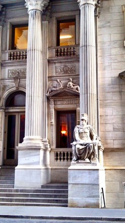 Columns and Roman law statue, First Department Courthouse