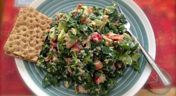 tuna salad with greens