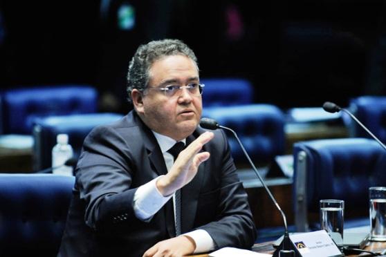 Roberto Rocha nega ter feito acordo