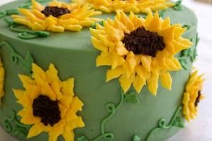 Gorgeous Buttercream Sunflower Cake