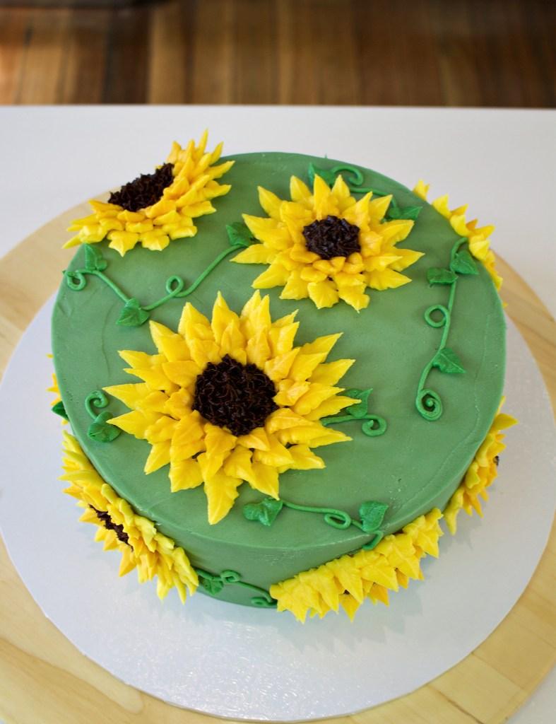 Sunflower cake top