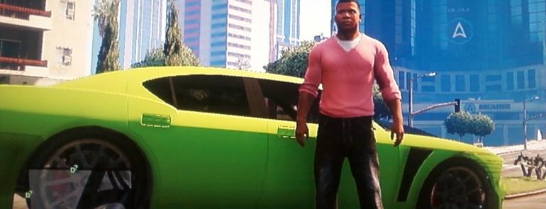 GTA V pink shirt green car
