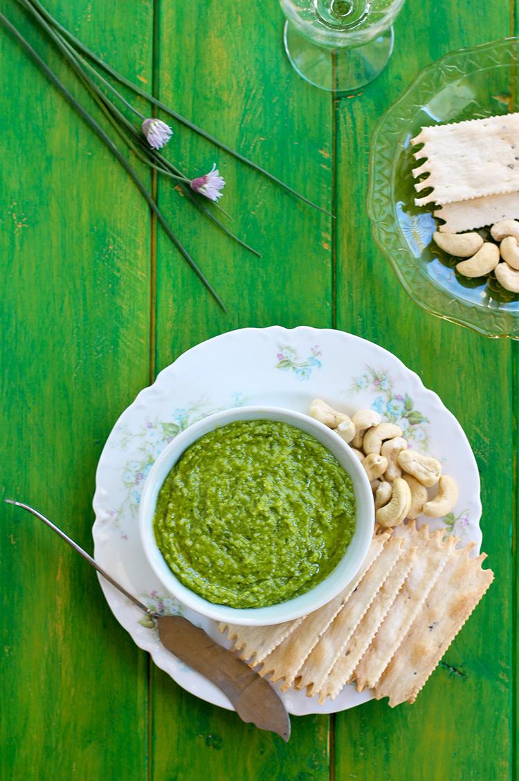 Chive-Cashew-Pesto