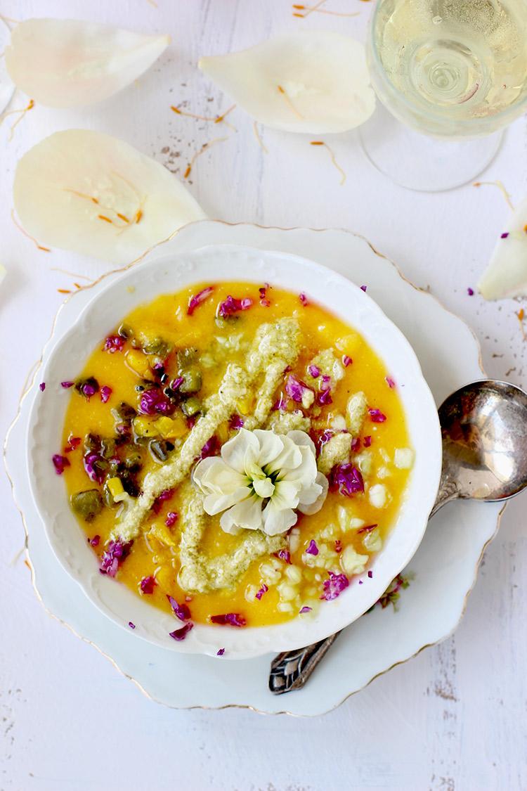 Yellow-Gazpacho-with-Pesto