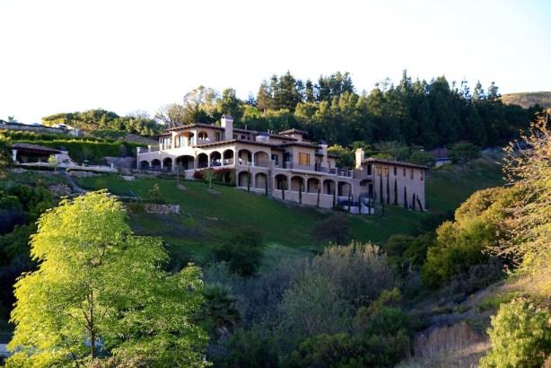 Escondido falls a beautiful malibu waterfall california for Beautiful rich houses