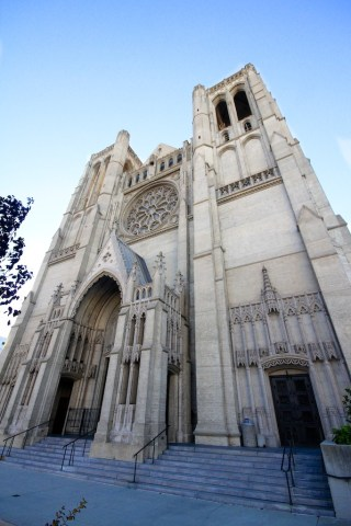 Grace Cathedral 2 320x480