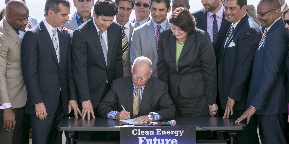 California Senate leader asked for Obama's help on climate bill in 2015