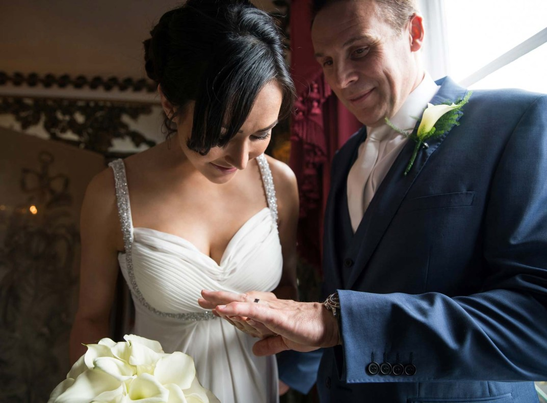 Grant & Victoria Wedding Photography by Cameo Photography at the Dorchester Hotel in London 27