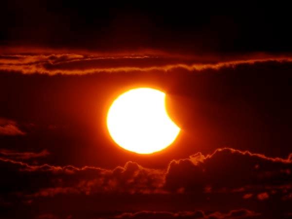 Eclissi-di-sole-a-mezzanotte