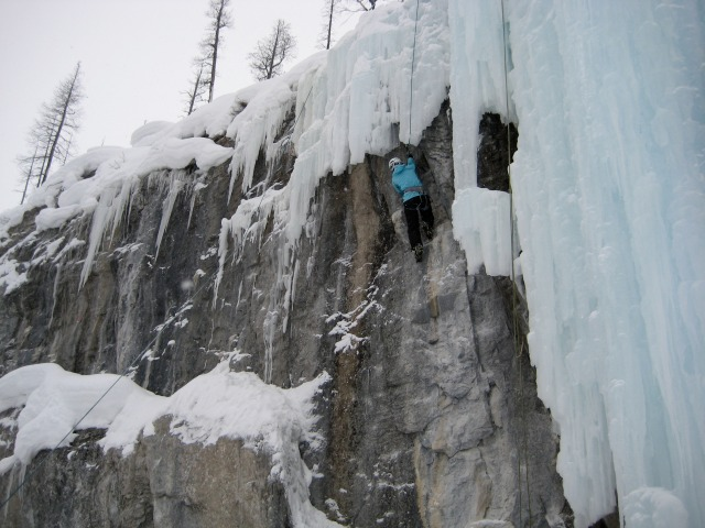 What Women Wear When Ice Climbing - Campfire Chic