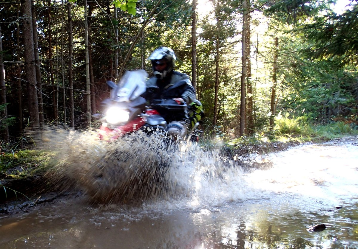 BMW R1200GS Long Termer IV - a day in the dirt