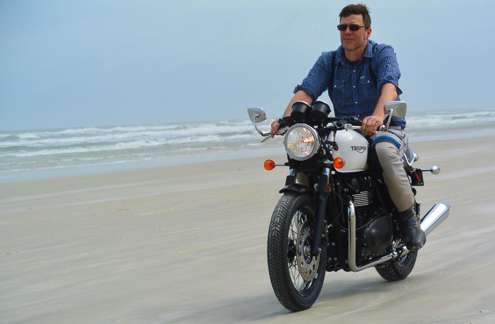 Rob takes advantage of loose US helmet laws for an old-school ride on Daytona Beach.
