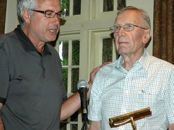 Lorne Rubenstein presents historican Jim Barclay with a lifetime membership to the Golf Journalists Association of Canada in 2009.