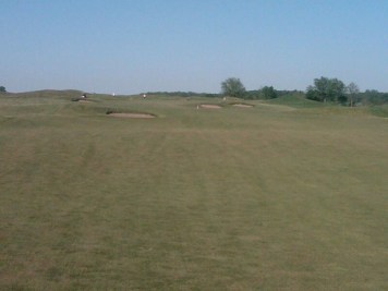 Perfect colours -- the browns, greens and rusts of Tarandowah's firm fairways last Saturday.