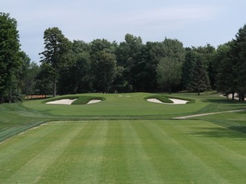 The third hole at Laval's Blue Course, designed by Ian Andrew and Mike Weir.