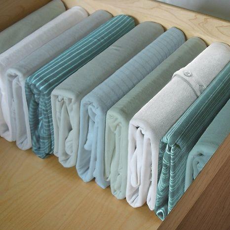9 tips para organizar tu armario de manera ideal - Como doblar ropa interior ...