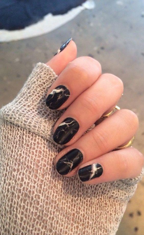 decoración de uñas con agua 8
