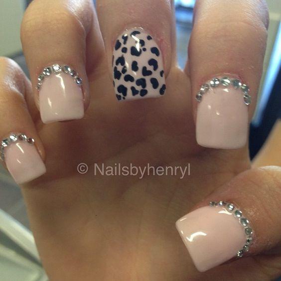 decoración de uñas con piedras 9
