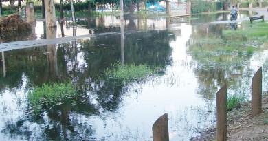 calle costanera inundada