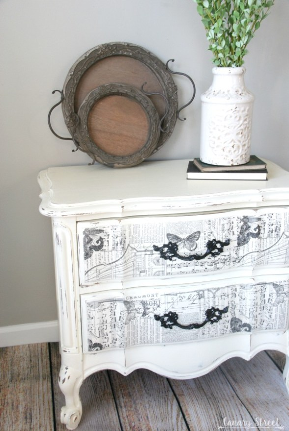 Gorgeous French nightstand painted with Annie Sloan chalk paint, plus an easy technique to create unique drawer fronts. http://canarystreetcrafts.com/