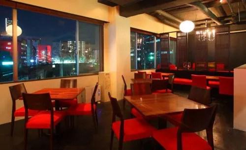 Dining&Cafebar Livingの店内