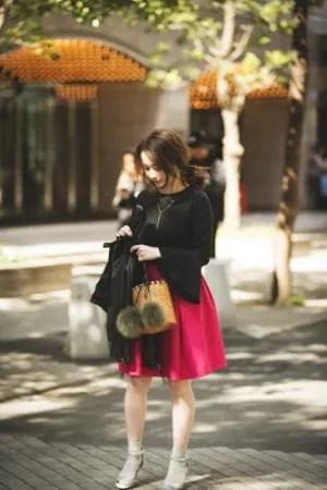 最高気温20度……ビビッドなカラースカートで春を感じて