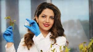 Zahra Lotfollahi studies with mistletoe