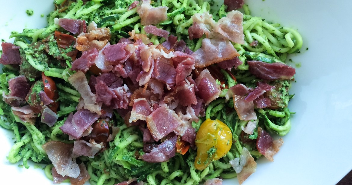zoodles with bacon and cherry tomatoes
