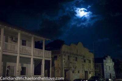 The beautiful full moon outside Santiago's Bodega