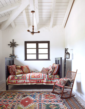 Photos loving actor malcolm mcdowell 39 s spanish style for Bohemian style daybed