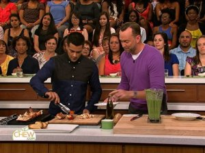 """Dallas"" star Jesse Metcalfe and Clinton Kelly working hard preparing their green tomato gazpacho with grilled lobster on ""The Chew""!"