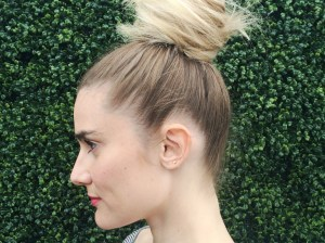 Side view of the top knot! Learn how to create this beautiful hairstyle just in time for the weekend.