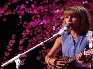 Watch America's Got Talent Season 11 Episode 16 Live Show 3 Videos, Tuesday, August 23, 2016. See AGT season 11 frontrunner, 12 year old Grace VanderWaal perform a beautiful original song for the judges and crowd! The golden buzzer winner's standing ovation was very well deserved.