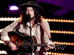 """Watch The Voice Season 11 Episode 4 Blind Audition Videos. See 31 year old singer and cattle rancher, Josh Halverson of West Texas sing Bob Dylan's classic song """"Forever Young"""" beautifully! Did you have a chance to watch? It was definitely one of the best auditions of night! He was so great he convinced Alicia Keys, Blake Shelton and Miley Cyrus to turn around, but ultimately he chose Alicia Keys as his coach. Congrats to Team Alicia!"""