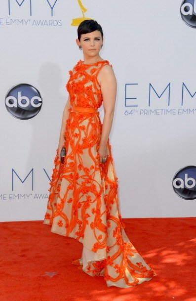 cPnvAit7qUxl Celeb Images: Julie Bowen Stuns in Yellow and Emmy Red Carpet Fashion Favorites!