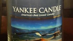 Yankee-Turquoise-Sky-Scented-Candle-Review-1