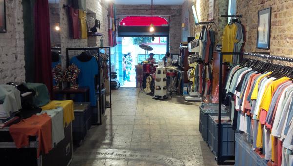 Aponia store in Galata