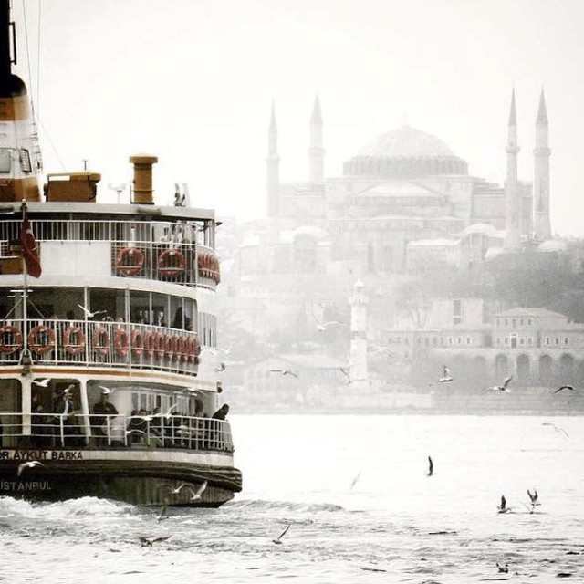 Istanbul ferry from @vapuring instagram account