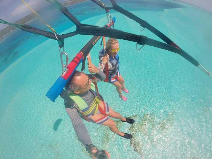 Tudo-sobre-o-voo-de-parasail-em-San-Andres3