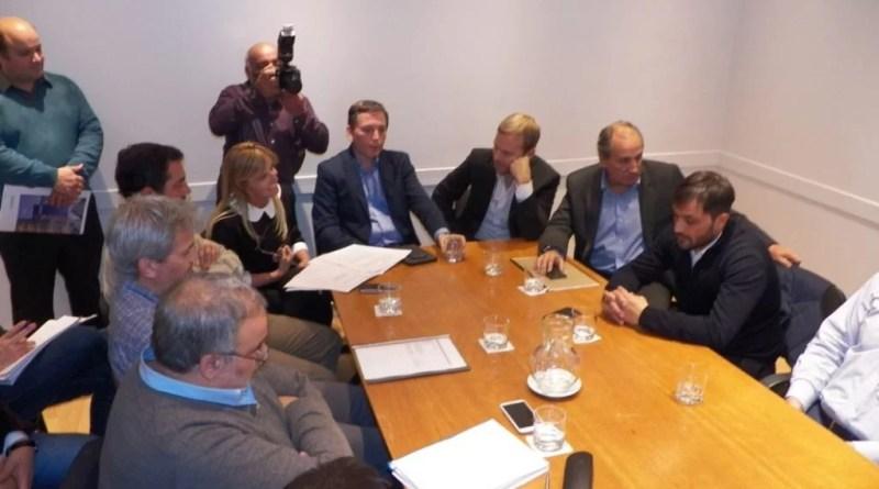 Marisa Fassi en reunión de gestión con autoridades provinciales y EDESUR.
