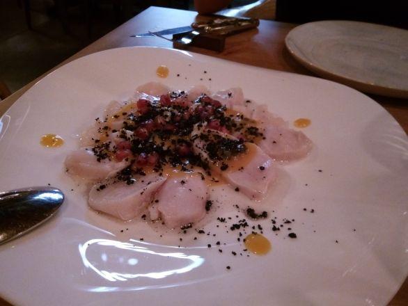 Tiradito de pez mantequilla de El Clandestino.