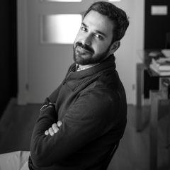 """Javier Vela: """"No aspiro sino a alcanzar cierto grado de verdad o autenticidad en lo que escribo"""""""